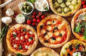 たくさんのピザ